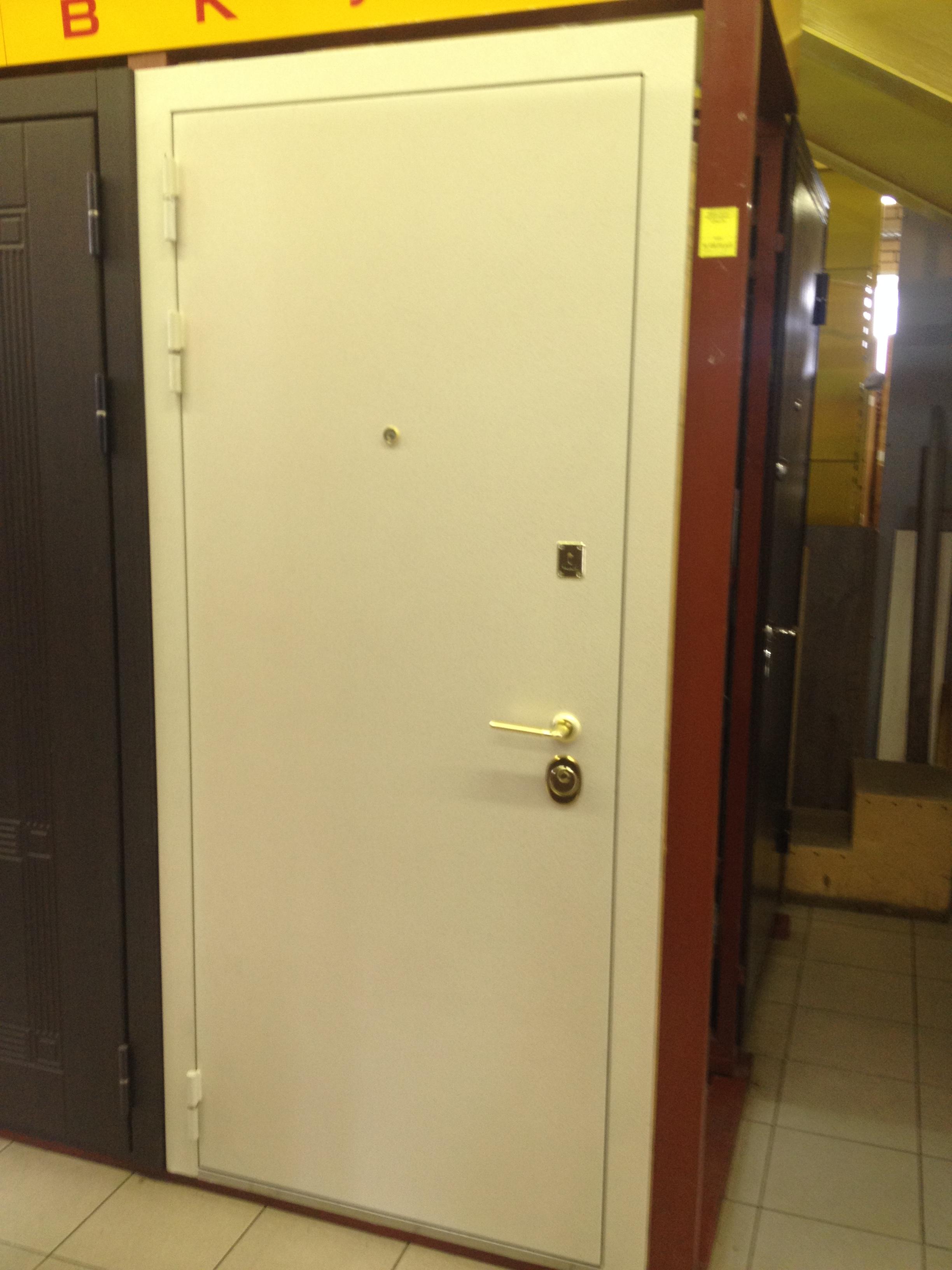 Дверь метал.