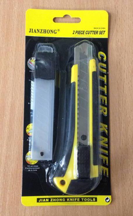 Нож 18мм (лезвие в комплекте)