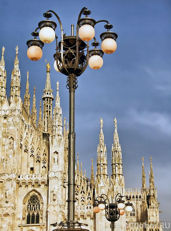 Фотопанно LB 1-240 Divino Фонарь у Миланского собора 200*270